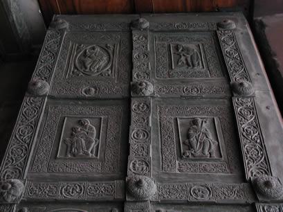 La cattedrale di trani - Di trani porte ...