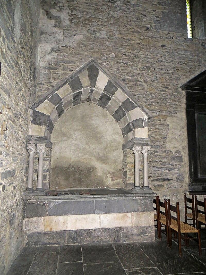 La Pietra Della Lavagna la basilica dei fieschi presso lavagna.